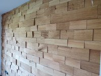 Wanddesign mit Spaltholz
